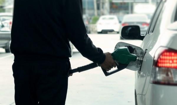 Изненада ли е? Цените на горивата продължават да падат!