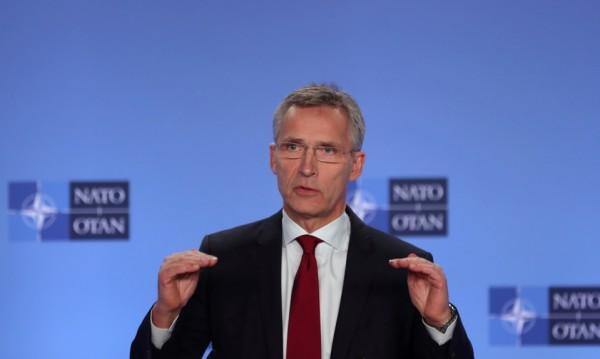 НАТО иска Русия да върне пленените моряци