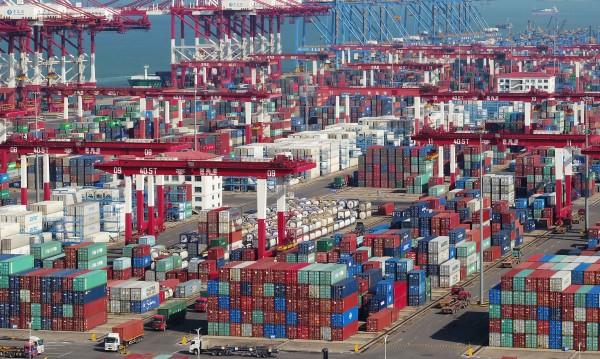 Тръмп се кани на Пекин: Вдига митото на 25% за стоки