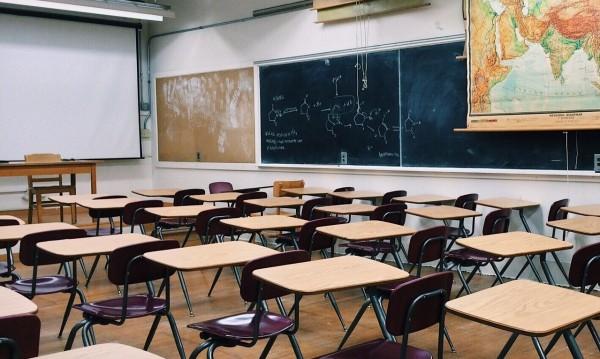 За 1 година в София: 800 деца напуснали училище!?