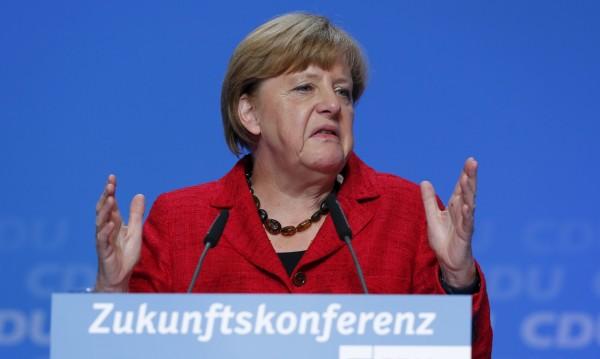 Меркел иска: Свобода на корабоплаването в Азовско море!