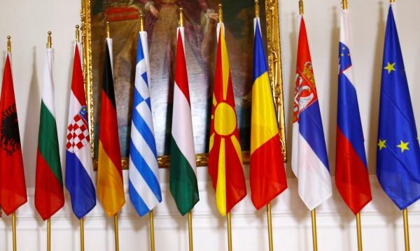Балканският пъзел: Една напред, една назад – кой надделява?