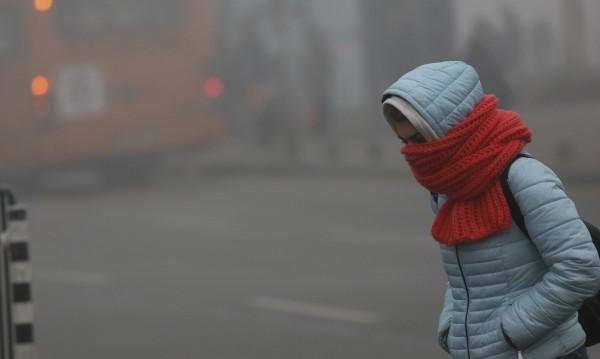 Предупреждават училища при мръсен въздух, ще има ли уроци?