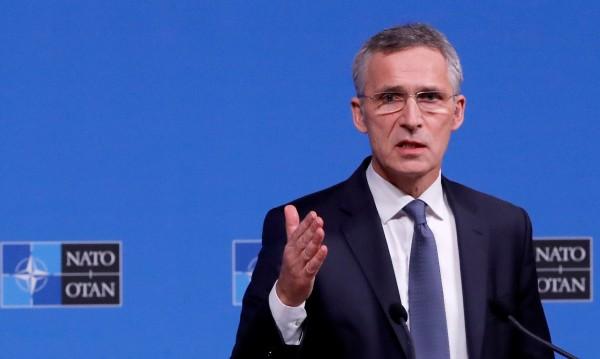 Столтенберг откровен: Не е време за косовска армия!