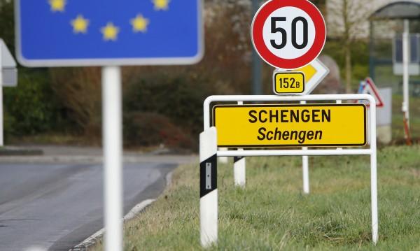 Юнкер: До 1 година Румъния трябва да е част от Шенген