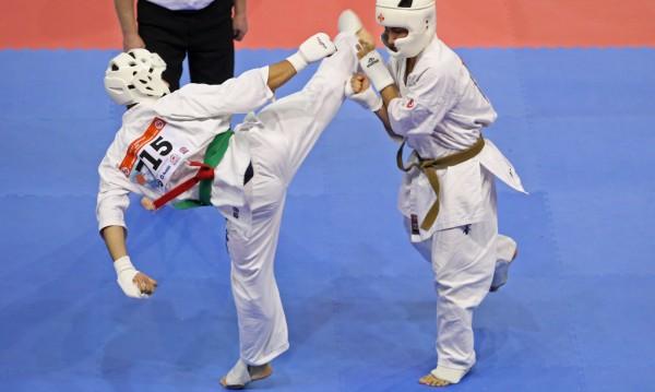 Четирима българи на полуфиналите на Световното по карате киокушин