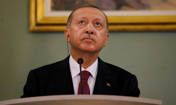 Ердоган: Френските протести - провал на демокрацията!