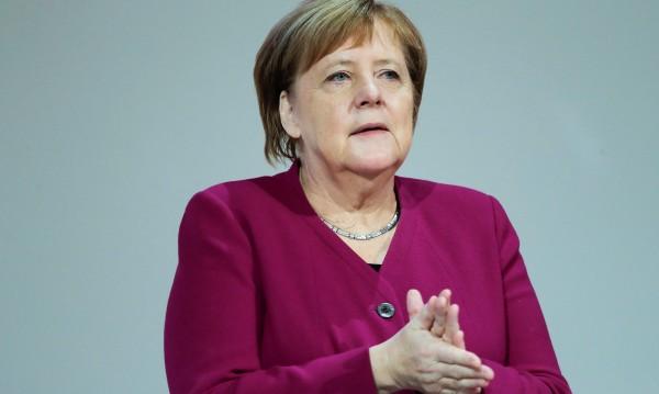 Меркел с реч за конференцията по миграцията в Мароко