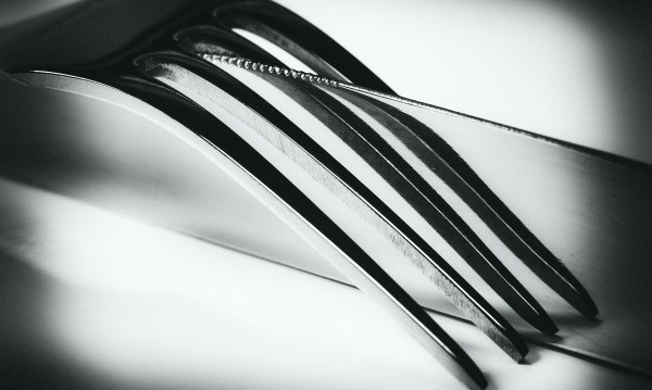 При скандал в кръчма: 18-годишен се развилня с нож