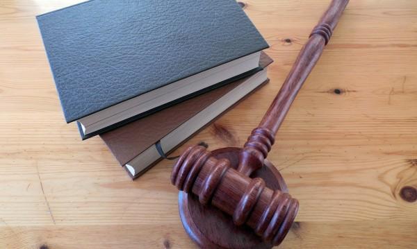 Фалшиви медицински бележки в училище и... съд!?