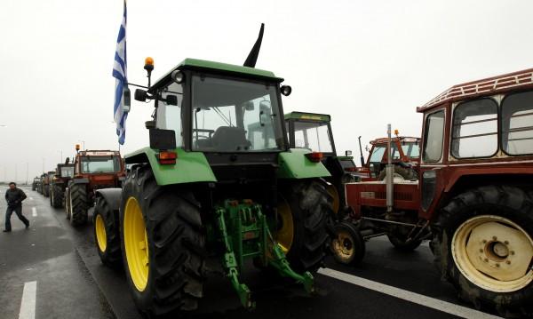 Пак протести: Гръцките земеделци загряват тракторите