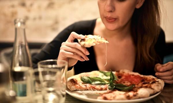 Ровите ли в чинията си? Храненето издава характера