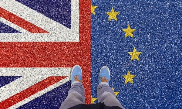 """Великобритания все по-близо до... """"твърд"""" Brexit!"""