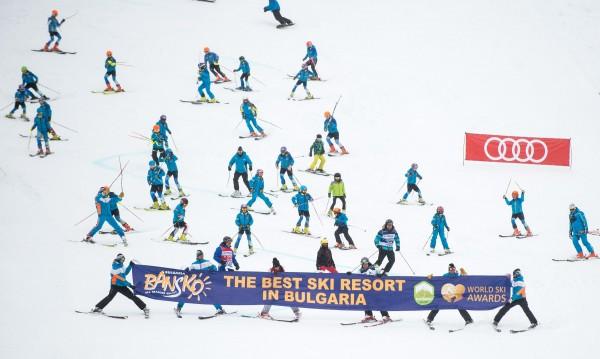Откриха ски сезона в зимните ни курорти Банско и Боровец