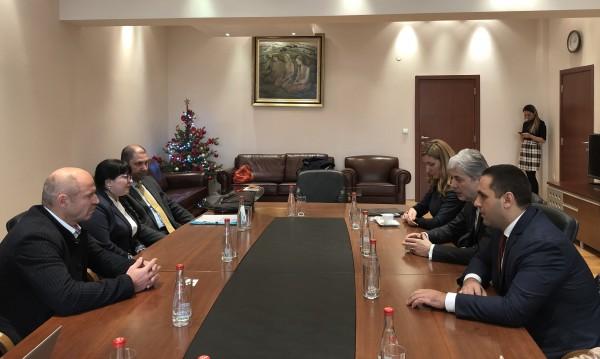 Министри нищят развитието на ски зона Банско с  Жирардели