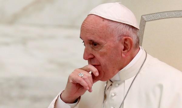 Папата с апел: Свещениците педофили да се предадат!