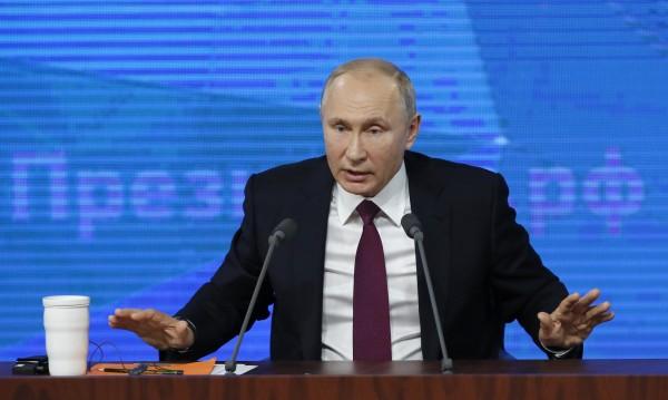 Рейтингът на Владимир Путин се срива, очертава се тежка 2019-а