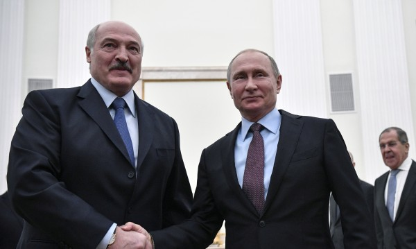 Путин и Лукашенко на четири очи: За цените на руския газ