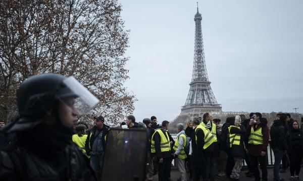 """Пак протест на френските """"жълти жилетки"""", но малоброен"""