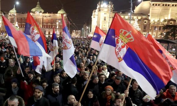 Около 70% от сърбите не искат в НАТО!?