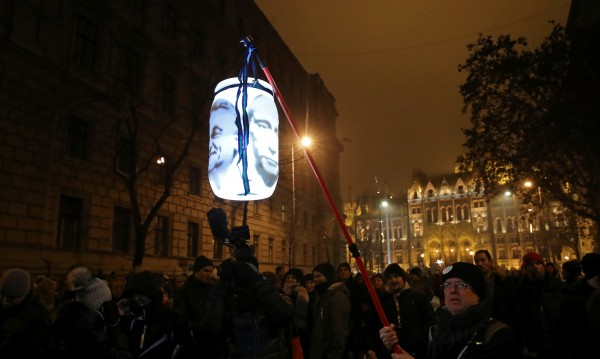 Опозицията обещава на Орбан година на съпротивата