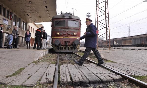 БДЖ с ново разписание: Орязват пътнически влакове