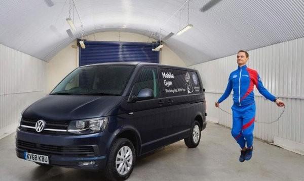 Само за маниaци: VW превърна Transporter във... фитнес