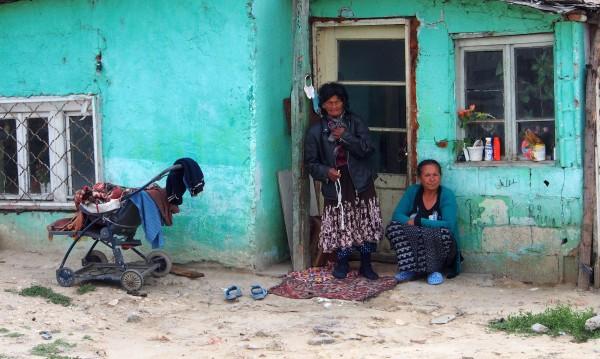 Във Войводиново канили ромите да си строят къщи. Те – не щат!