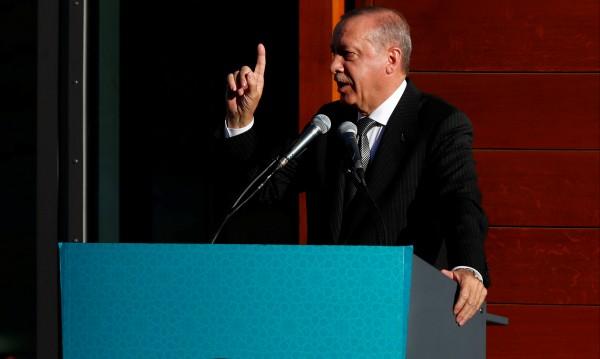 Берлин подкрепя Ердоган, а бягащите от него отиват в Германия