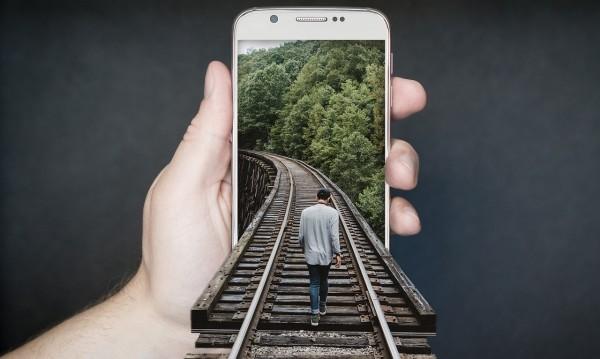 """Приложение """"психиатър"""" – смартфони като детектори!?"""