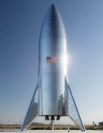 Мъск представи новата си, чудовищна ракета