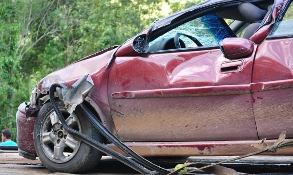 12-годишна подкара колата на непознат, тръгна да изпреварва и...