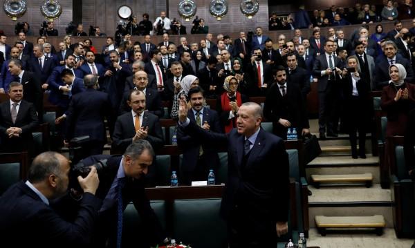 Днешна Турция: Или преклони глава, или напусни страната