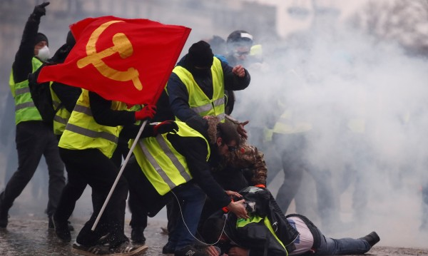 """84 000  """"жълти жилетки"""" са протестирали днес"""