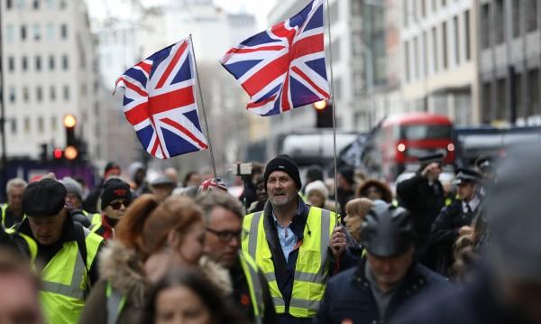 Брюксел натиска Лондон за Brexit сделката