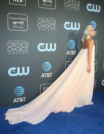 """Лейди Гага блесна и на наградите """"Изборът на критиците"""""""