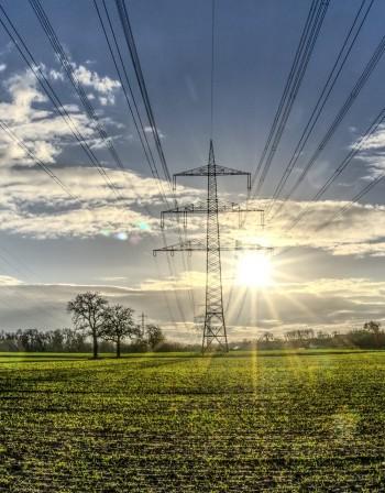"""След скока на тока: Защо ТЕЦ """"Марица Изток 2"""" все още има спрени енергоблокове?"""