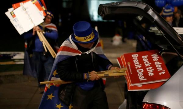 И сега? Втори референдум, забавяне на Brexit?