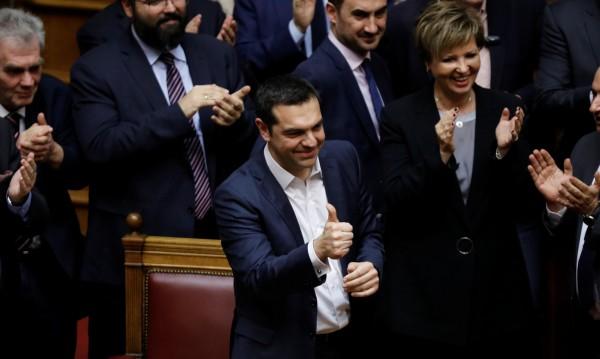 Ципрас оцеля при вота на доверие с един глас