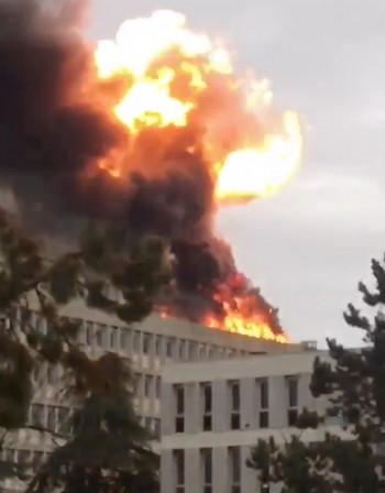 Няколко експлозии избухнаха в университет в Лион