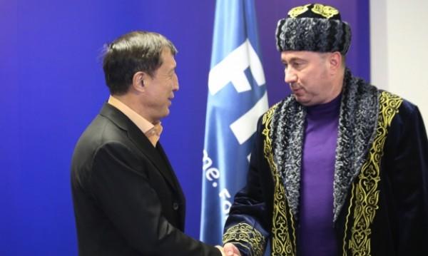 Официално: Казахстан и Мъри Стоилов се разделиха