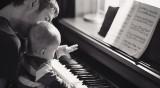Детски песнички и Моцарт успокояват децата