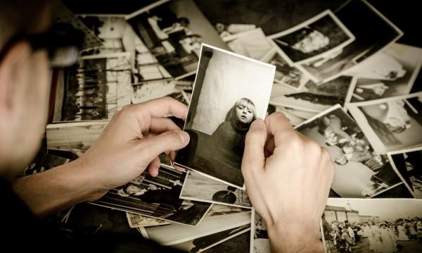 Не си ти, ако не си със селфи! Снимките изкривяват спомените