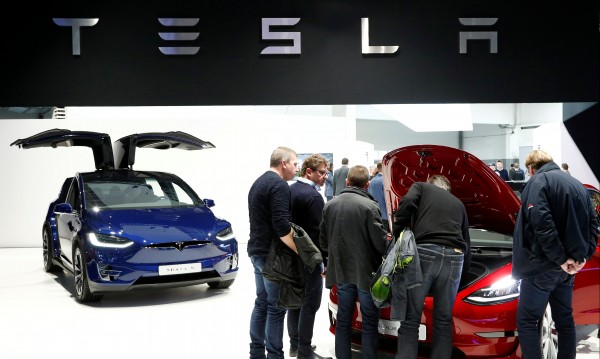 Съкращения в Tesla, освобождават 7% от служителите