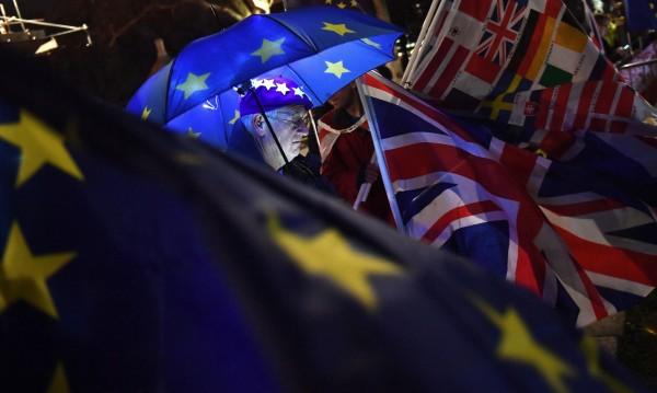 300 нови договора между Лондон и ЕС при твърд Brexit!?