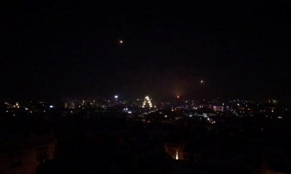 Израел отговори – нанесе въздушни удари в Сирия