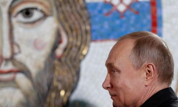 Разбожествяват Путин – рейтингът му продължава да пада