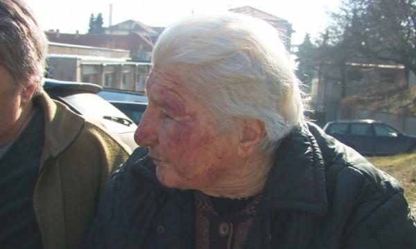 Ромът нападнал баба Иванка с нож... Тя му дала 35-те си лева
