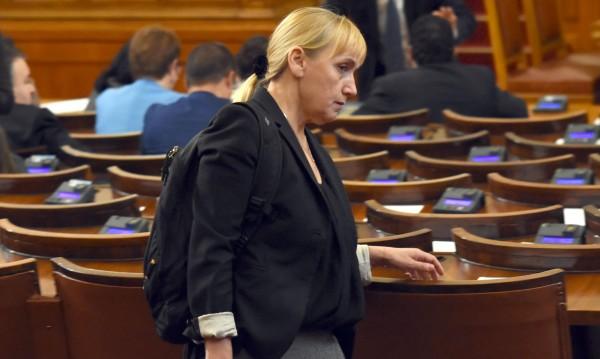 Елена Йончева за обвиненията срещу нея: Абсурдни са!