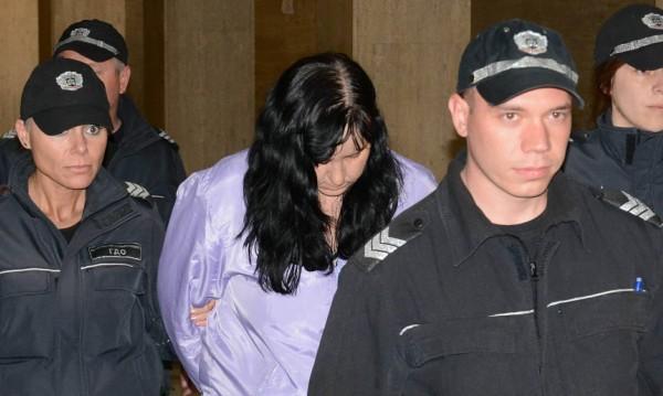 Нов адвокат за Емилия Ковачева – гледа записите от побоя